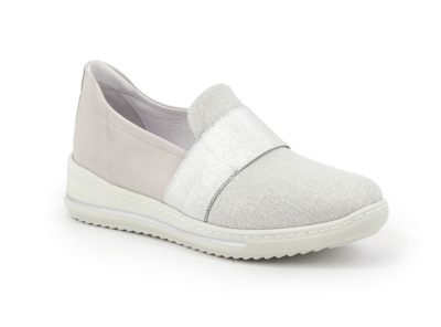 Shoe with elasticized upper and elastic band