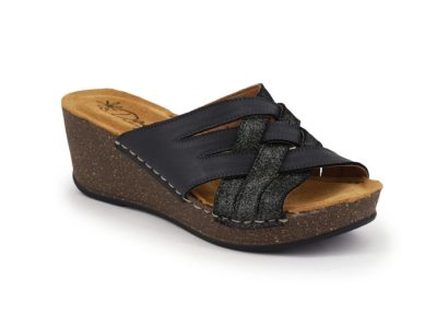 Wedge with crossed band and padded insole