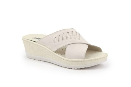 Wedge with crossed band and removable insole
