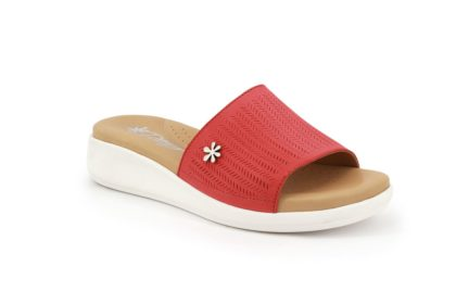 Single-band slipper with padded insole